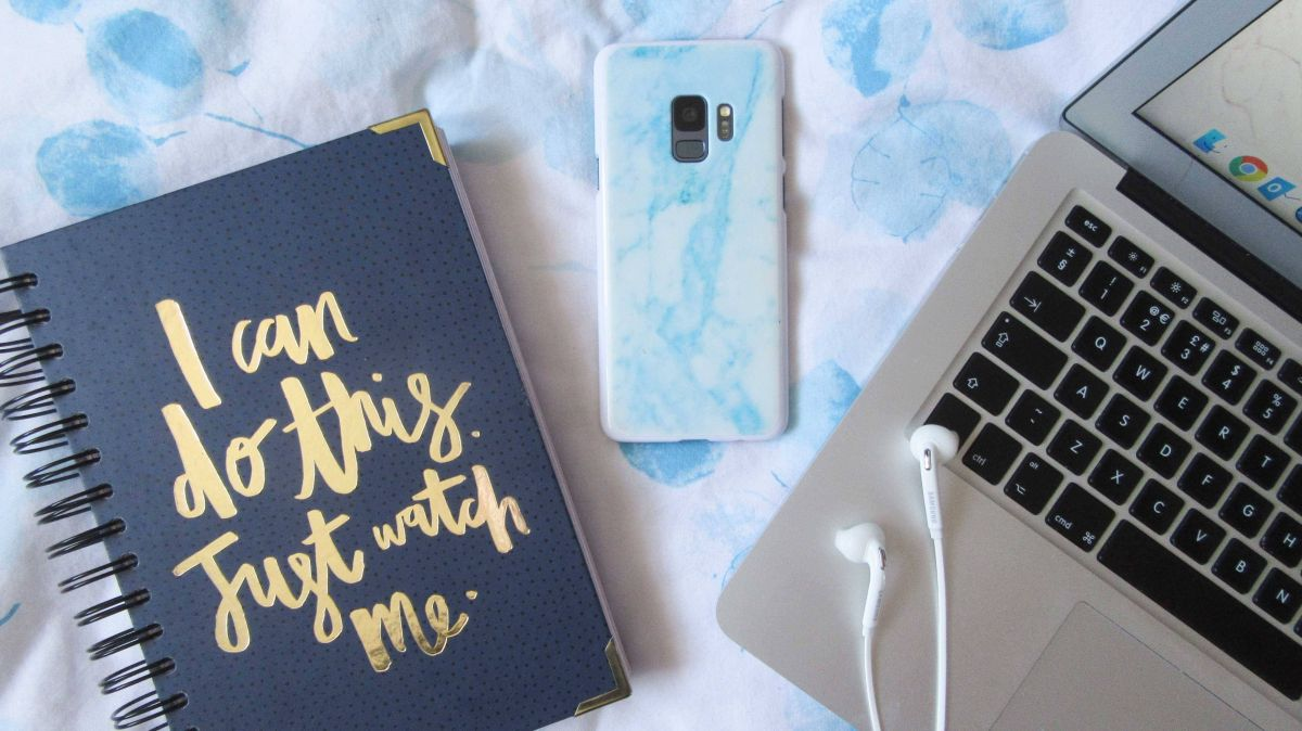 How I Juggle Blogging Whilst Working Full-Time